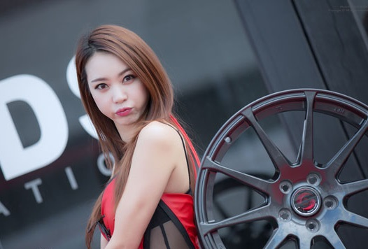 Race Queen Ju Da Ha | Asian Car Model 4