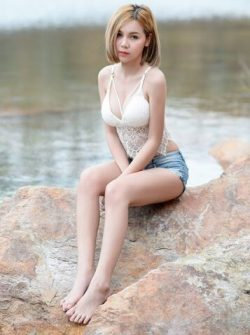 Sexy Chick in Shorts | Hot Asian Girl1
