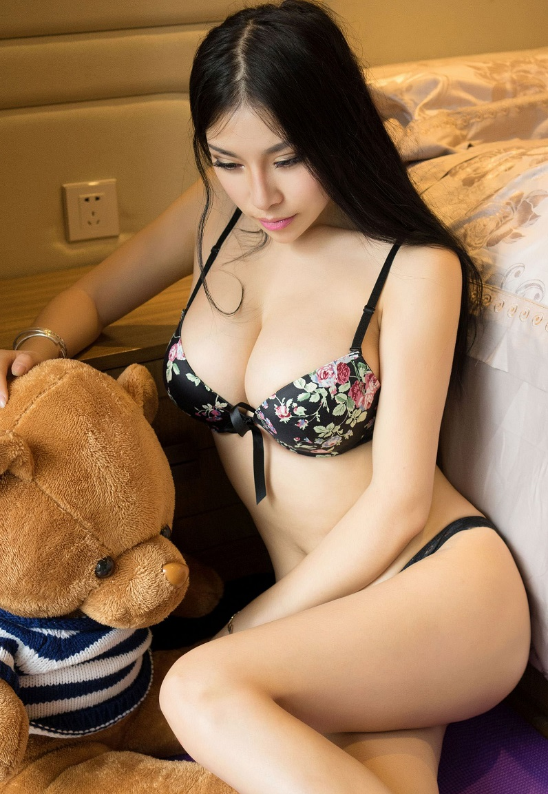Asian Escorts In London, Outcall Busty Exotic Oriental Escort