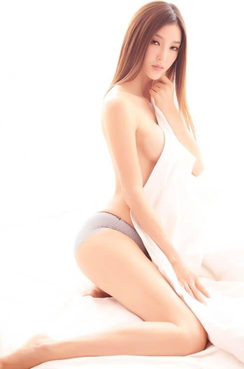 Li Ying Zhi | Asian Car Model1