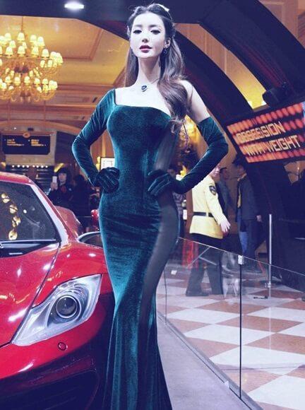 Li Ying Zhi | Asian Car Model3