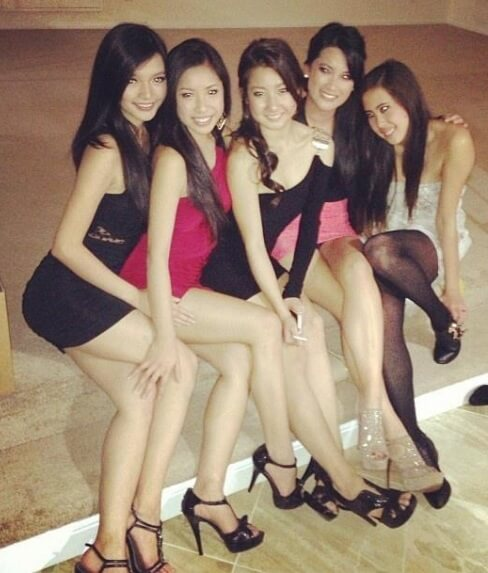 Sexy Asian Bffs  Hot Asian Group  Sexy Photos  Playsports88-8943