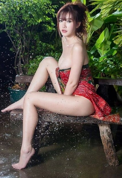 Sexy Bathing Asian | Asian Net Idol 3